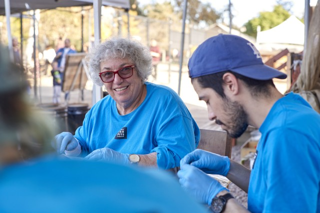 Volunteers at La Brea Tar Pits