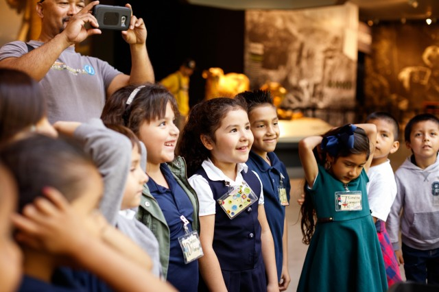 school group kids field trip la brea tar pits